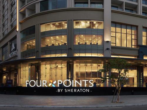 Cửa cong tự động tại khách sạn FOUR POINTS Đà Nẵng