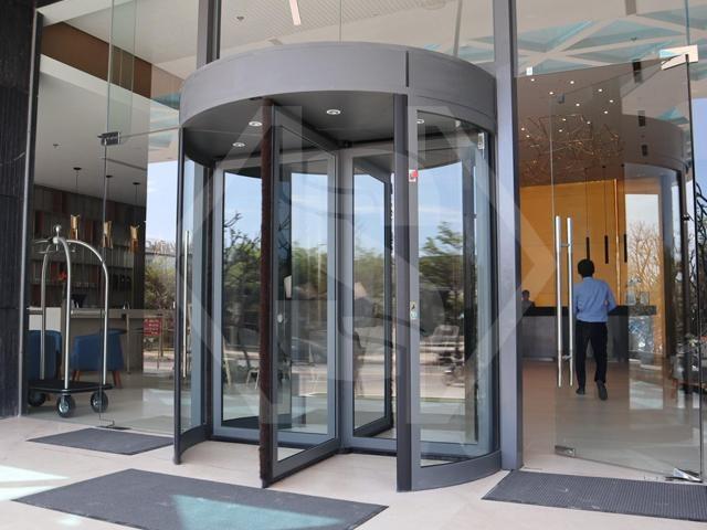 Đẳng cấp cửa xoay KBB tại Sel de Mer Hotel and Suites Đà Nẵng