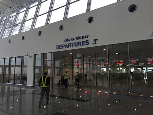 Kết quả hình ảnh cho hệ thống cửa tự động tại sân bay